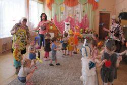 Театральное представление для детей ясельной группы «Пчелки»