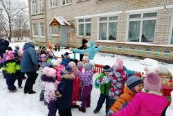 Парад снеговиков «Ко дню рождения снеговика»