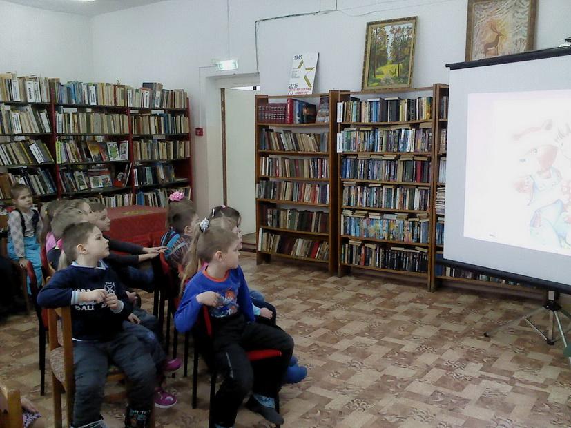 «Колокольчики» побывали на увлекательной экскурсии в библиотеке