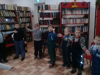 «Колокольчики» - экскурсия в библиотеку п. Калашниково